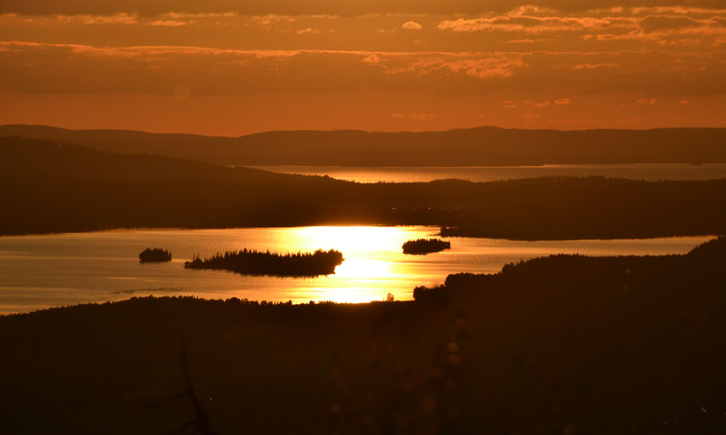ruka-safaris-sunset-hor.jpg
