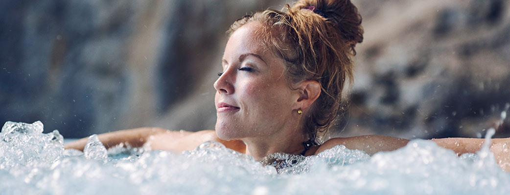 woman-relaxing-in-spa-1042x400.jpg